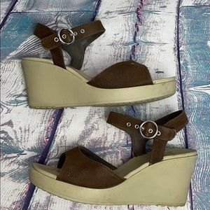 CROCS Brown Canvas Sandals